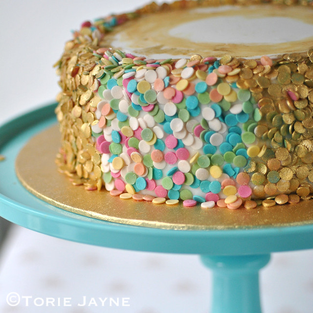 Edible sequin cake tutorial