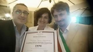 Casamassima- TRADIZIONE PUGLIESE AD EXPO- Mariangela Maggi riceve l'attestato Expo