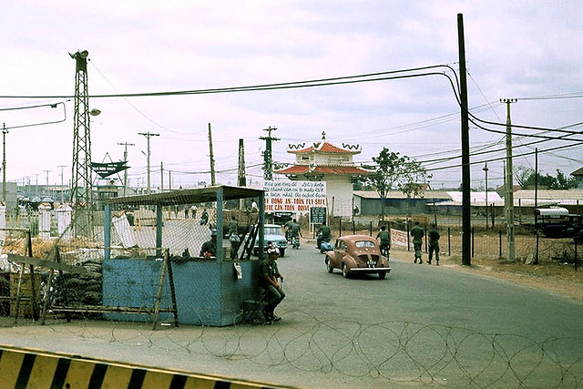 SAIGON 1969 - Tan Son Nhut AB Main Gate With Checkpoint - Cổng Phi Long