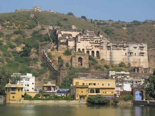 Bundi: vue sur le palais et le fort