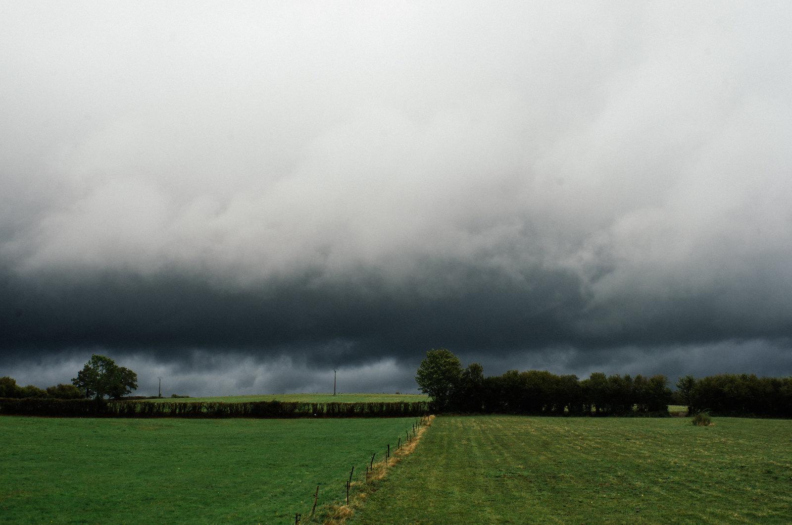 Grande traversée du Morvan - Ciel de tempête