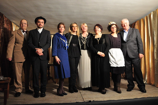 Casamassima-Da sx Paolo Tittozzi, Renzo Mariella, Eleonora Campanelli, Simona Rutigliano, Marisa Mola, Rosa Tritto, Stella Montanaro, Antonio Todisco