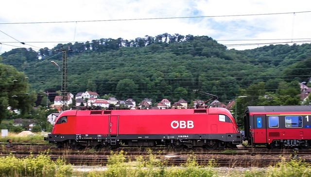 28.06.2006 Geislingen an der Steige. ÖBB 1116 276 mit OIC Stuttgart