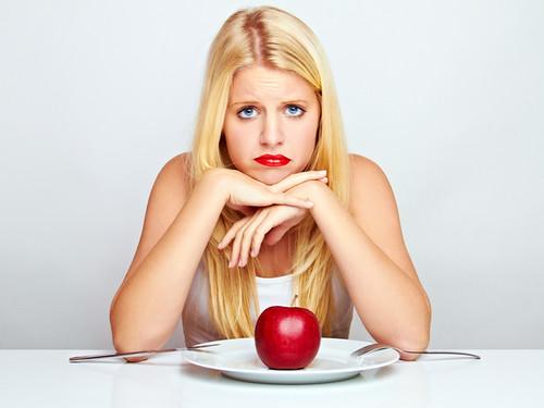 Що з'їсти на ніч, щоб схуднути?