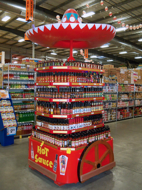 OH Fairfield - Jungle Jim's Hot Sauce Display