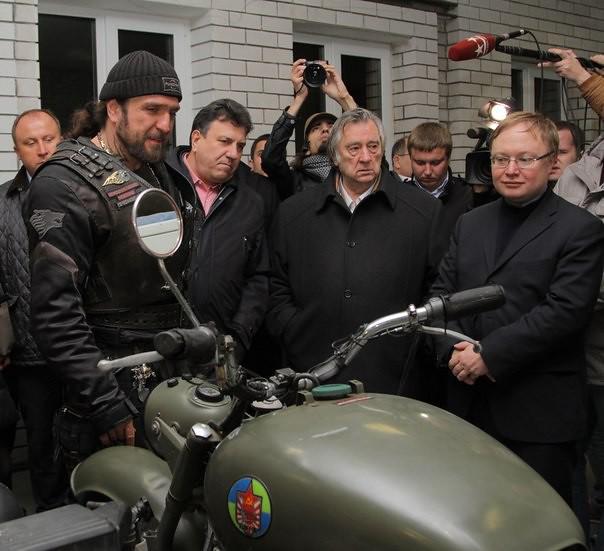 Новый русский мотоцикл Сталинец