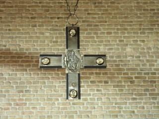 Kreuz mit thronendem Christus