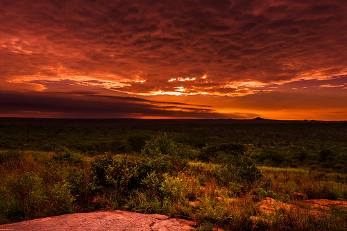 red clouds sunrise landscape southafrica nikon outdoor dusk himmel wolken explore mornings dämmerung landschaft afs2470f28 kruegernationalparc