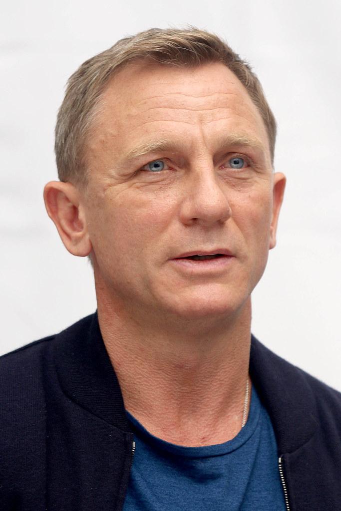 Дэниел Крэйг — Пресс-конференция «007: СПЕКТР» 2015 – 17