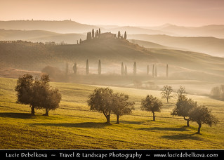 Italy - Tuscany - Orcia Valley in the morning mist