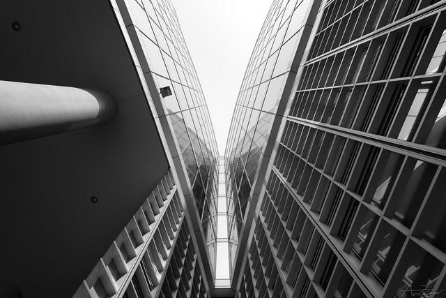 Milan, modern Architecture BW SEP 2015-03-10 121924