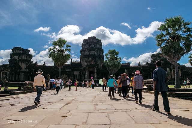 angkor wat west entrance