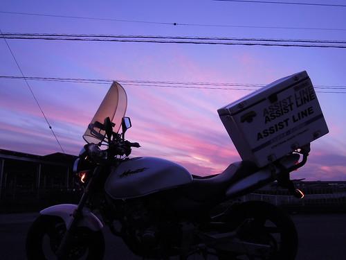 夕暮れ バイク便