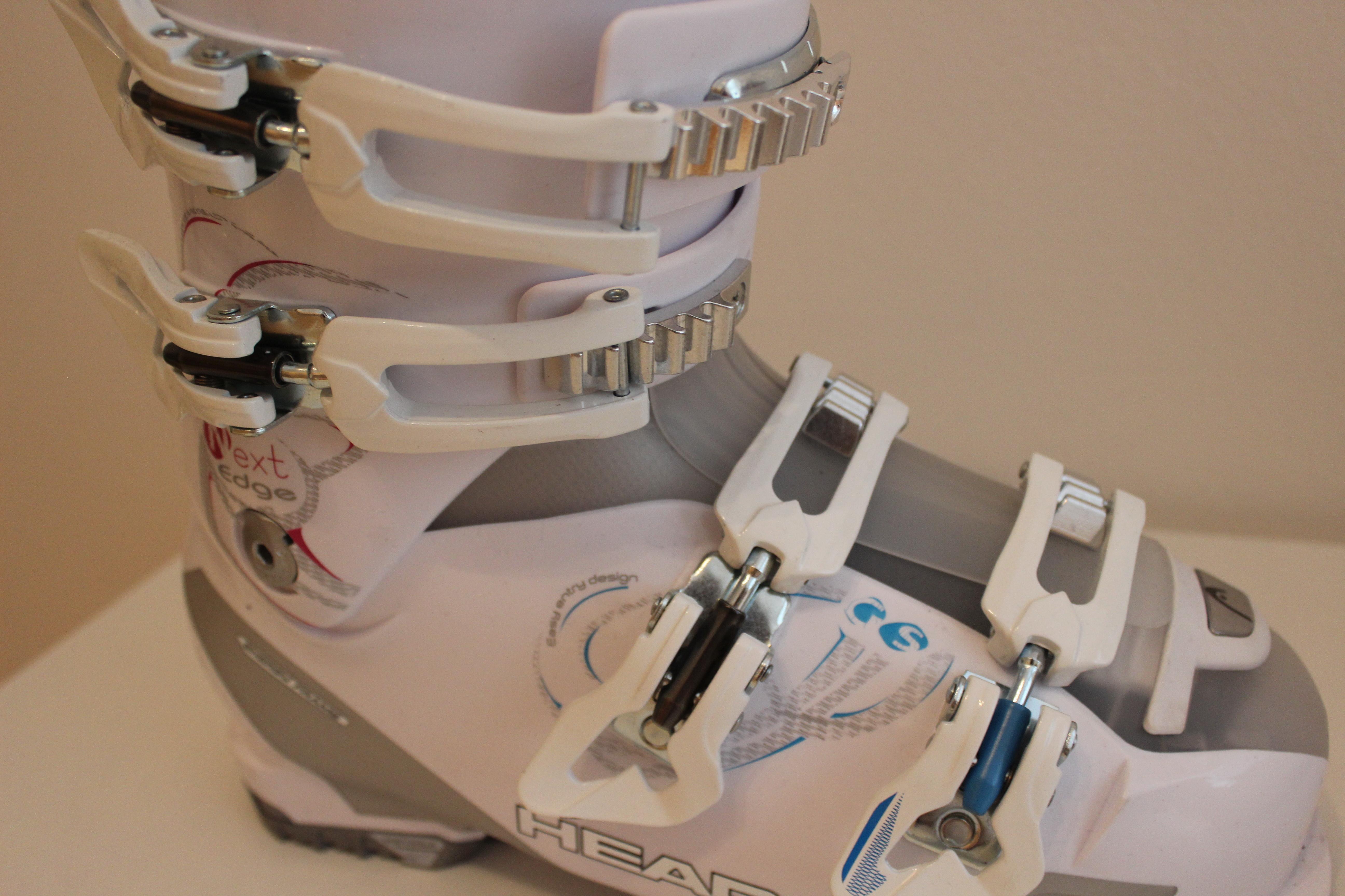 42 - fotka 1 Lyžařské boty HEAD vel. 42 - fotka 2. Prodám dámské lyžařské  boty HEAD typu Next Edge GS Mya. 19f62799c3