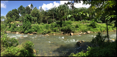 Song Phraek River