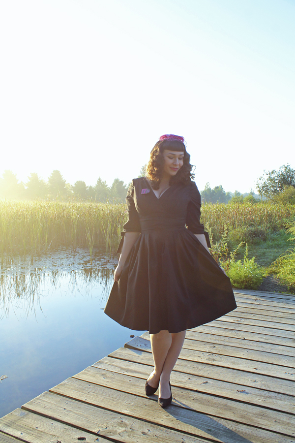 black retro dress