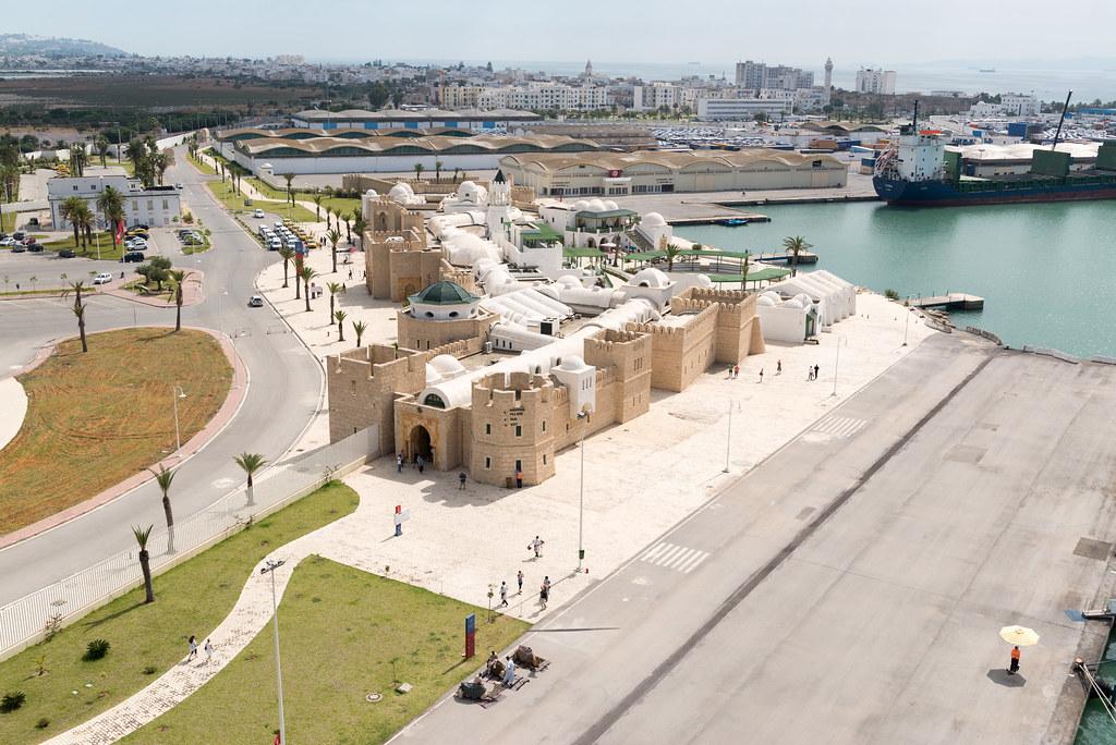 Passagierterminal im Hafen von La Goulette (Tunesien)