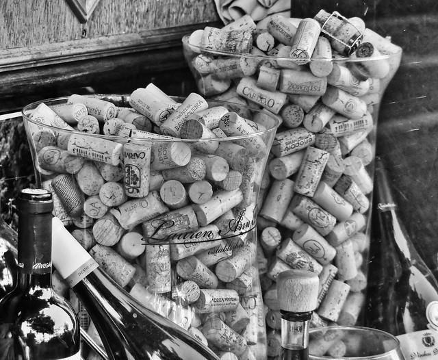 Vieillir, c'est prendre de la bouteille - To get old is taken a bottle (french term)