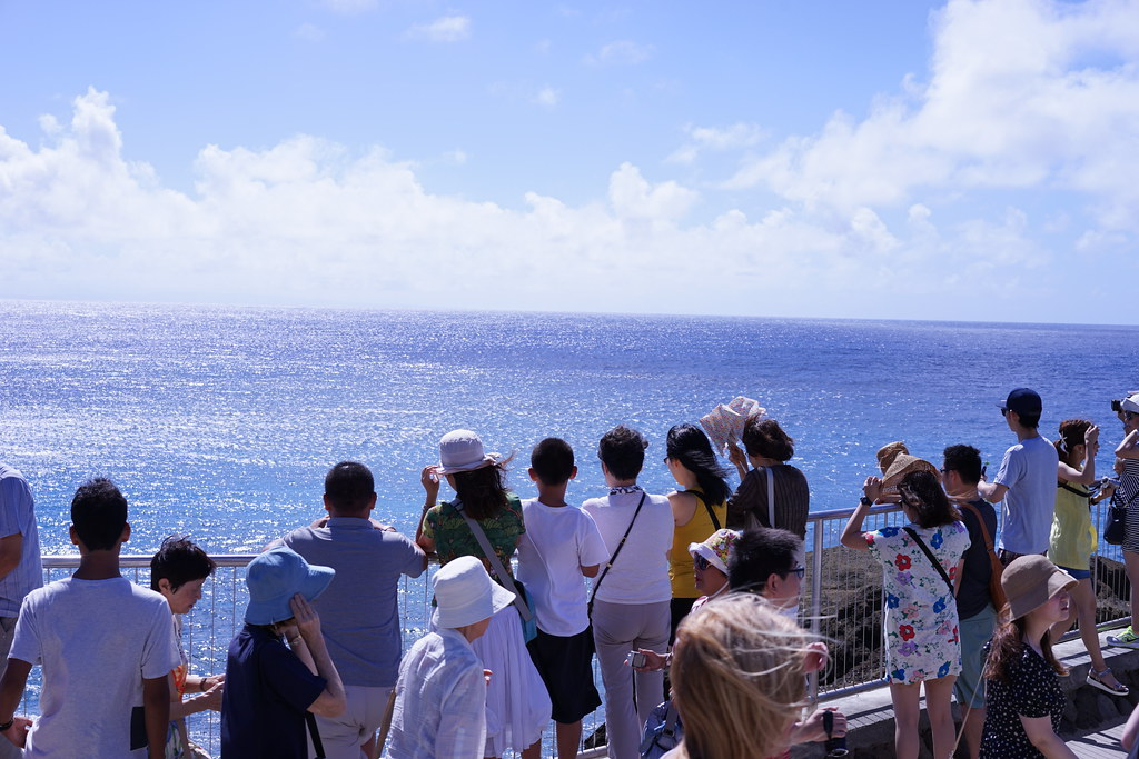 ハロナ・ブローホール(潮吹き2岩)