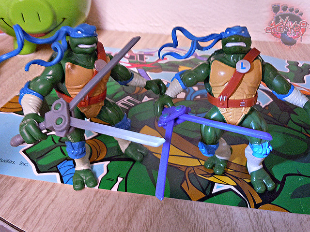 "Nickelodeon ""HISTORY OF TEENAGE MUTANT NINJA TURTLES"" FEATURING LEONARDO - 'NINJA TURTLES: THE NEXT MUTATION' LEONARDO vi / ..with Original N.M. LEO '97 (( 2015 ))"
