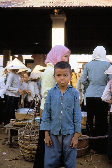 Vietnam 1970 by Stewart Jackson (4) - Chợ xã Dưỡng Điềm, quận Sầm Giang, tỉnh Định Tường (nay là huyện Châu Thành, tỉnh Tiền Giang)