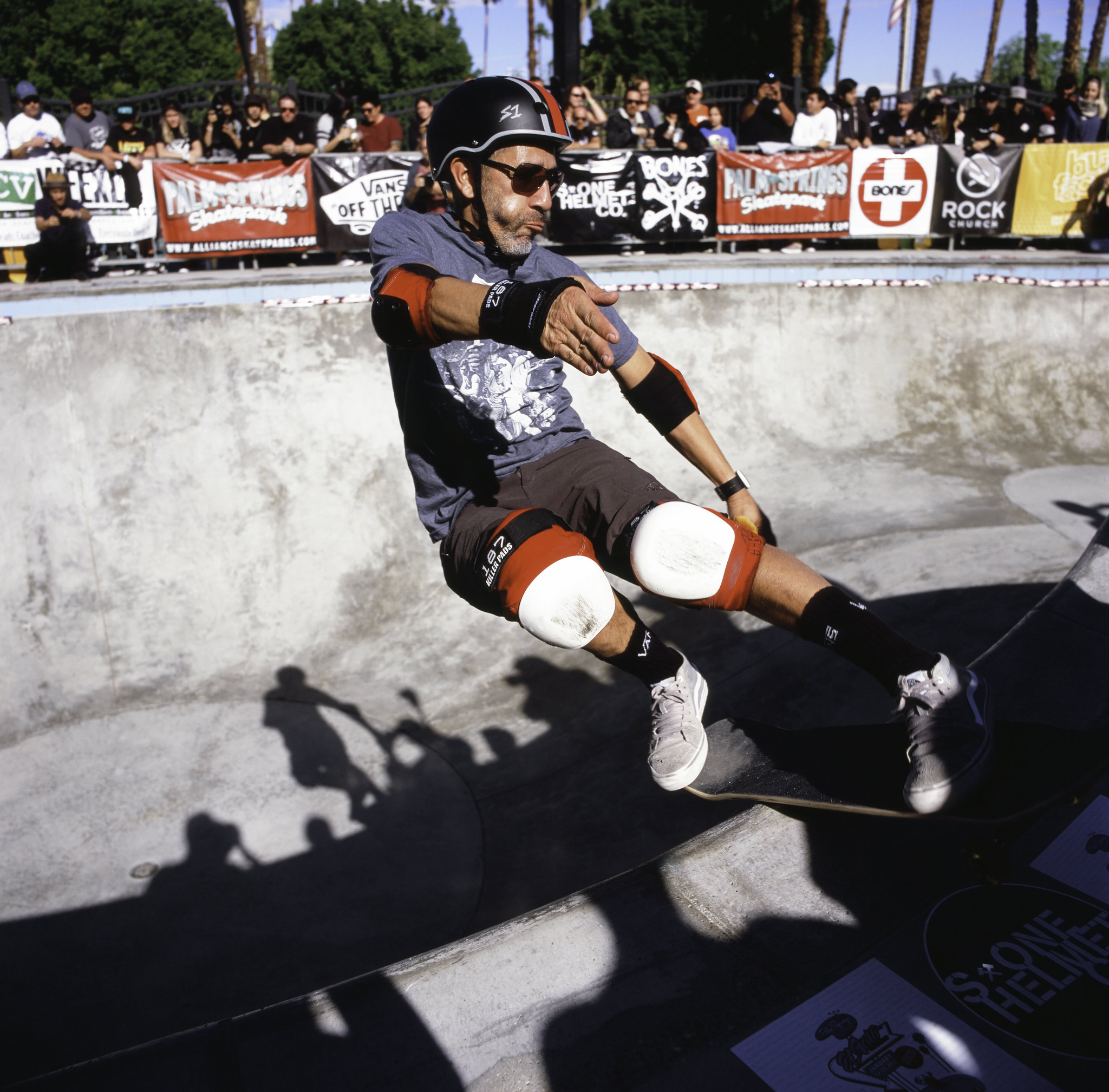 ElGatoClassic-photography-Skateboard-eddie elguera-Palmsprings-Analog-hasselblad-120mm-joe-segre-13