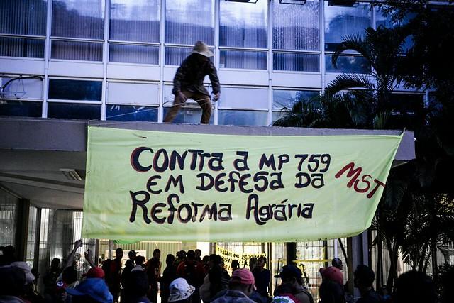 Ministério da Fazenda amanheceu ocupado nesta quarta-feira (15) em ato contra reforma da Previdência - Créditos: Divulgação
