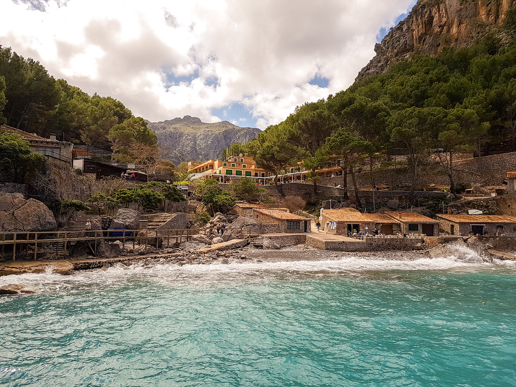 The best beaches in Mallorca: the rocky beach in Sa Calobra