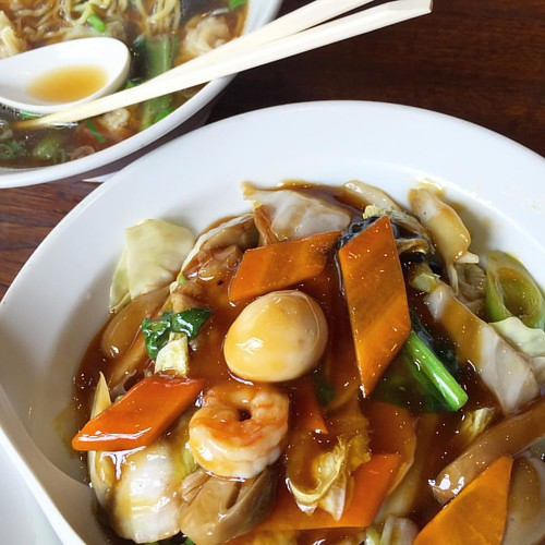 遅れて中華飯登場!珈琲付きでワンタン麺と¥700.  #japan #Japanese #lunch