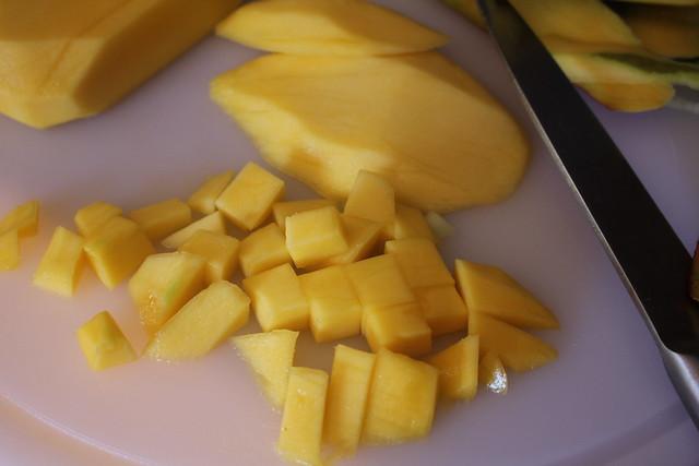 Atún con manzana y mango al aroma de Barbadillo www.cocinandoentreolivos.com (3)