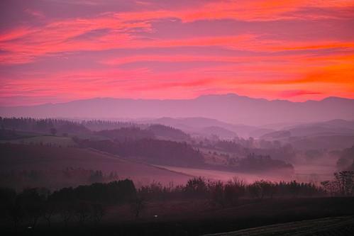 深山峠の朝焼け