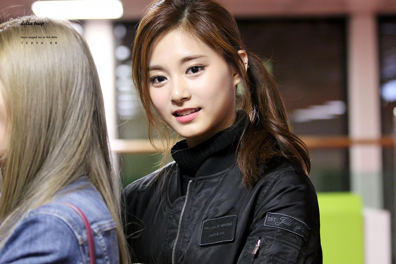 Twice Tzuyu Visual Celebrity Photos Onehallyu