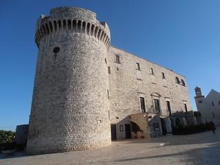 Conversano- mostre nel castello per l'inaugurazione