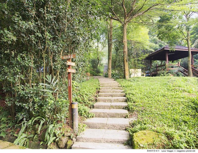 【台中 Taichung】新社景觀咖啡桃李河畔 賞金針花與森林咖啡下午茶 @薇樂莉 Love Viaggio | 旅行.生活.攝影