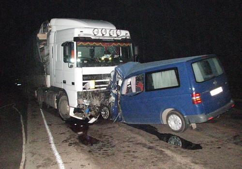 Неподалік Костополя загинули візник та водій