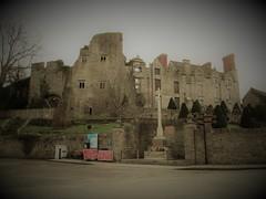 Hay Castle ruins [Explored]