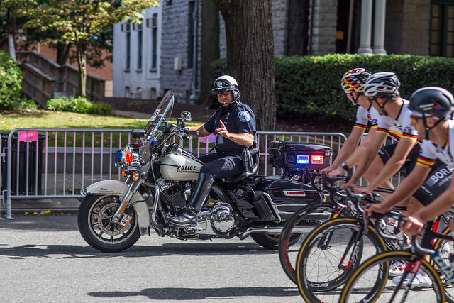 #VCUBRB - Motorcycle cop gives them the signal