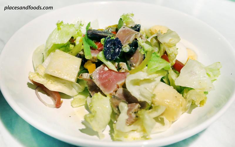 dean and deluca MahaNakhon bangkok nicoise salad