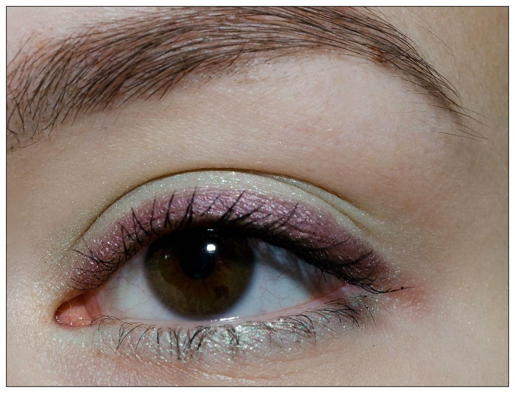 Тени-Карандаш для Век Yves Rocher 08 Фиолетовое Сияние, 07 Зеленая Искра - отзыв, свотчи