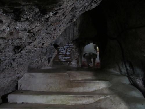 Une toute petite pièce dans la grotte pour méditer