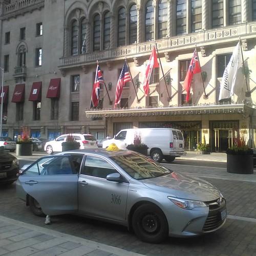 Royal York flags and taxi #toronto #royalyorkhotel #royalyork #flag #flags #taxi canada #unitedstates #ontario #unitedkingdom #unionjack