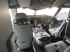 Boeing 787-8 N787BX cockpit