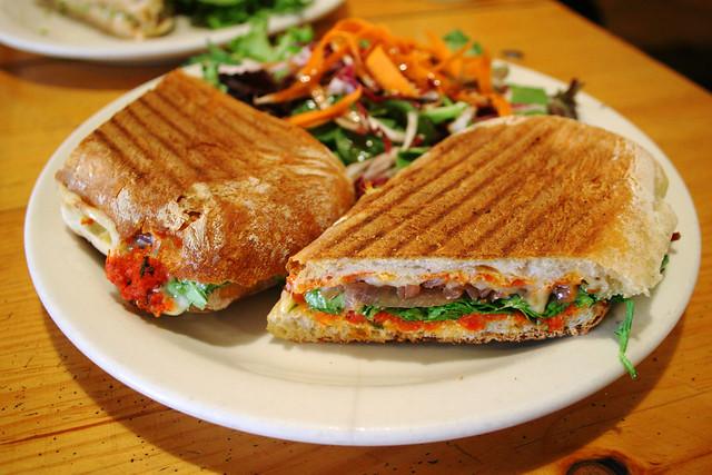 hoho, my sandwich! | 'sNice Fontina Sundried Tomato Pesto w ...