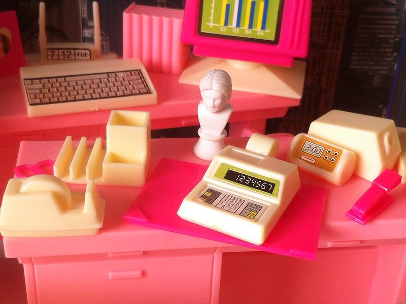 Arco Office - desk stuff
