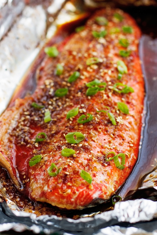 Sesame Ginger Glazed Baked Salmon in Foil - Ready in less than 30 minutes, healthy and so FLAVORFUL! #bakedsalmon #salmoninfoil #asiansalmon | Littlespicejar.com @Littlespicejar