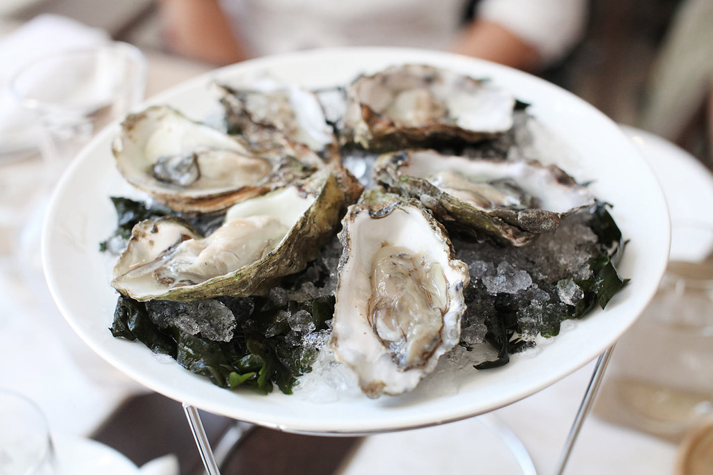 thomas-burberry-cafe-menu-oysters