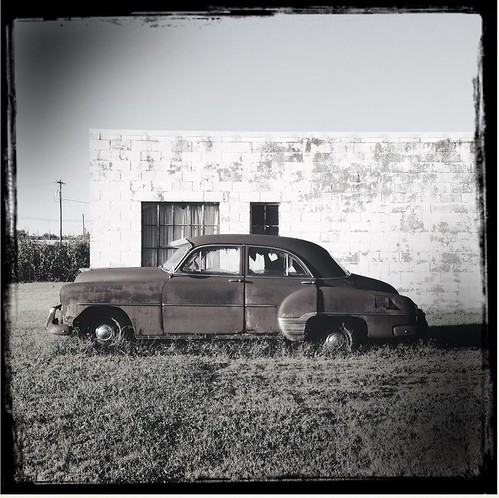 bw car illinois rusty salem hipstamatic