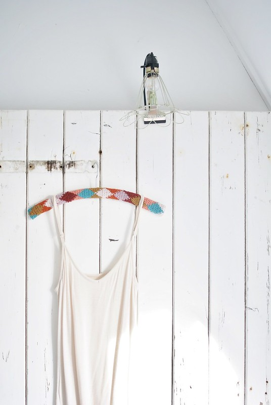 wood & wool harlequin hanger