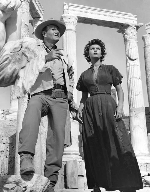 John_Wayne - legend of the lost - & Sophia Loren