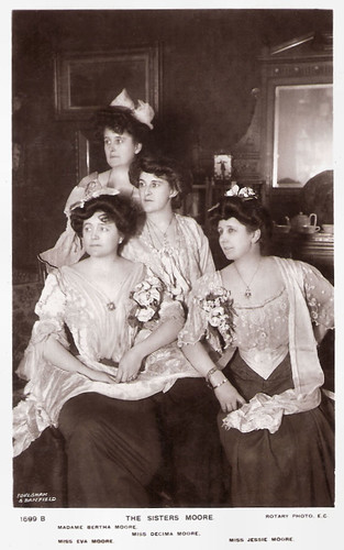Eva, Decima, Bertha and Jessie Moore